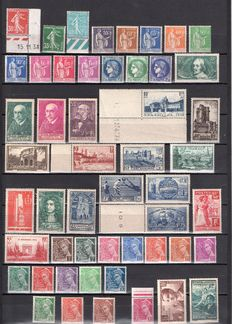 France 1938/1939 – Selection of 83 stamps including complete year 1939 – Yvert no. 360 to 416A to 419/450.