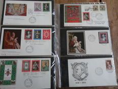 Vatican 1958/1985 - Advanced collection FDCs in 6 albums (over 900 pieces)