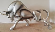 Figure of a ferocious Bull - impressive - End 20th century, Belgium