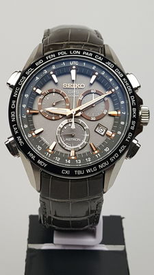 Seiko Astron GPS Solar Titanium Chronograph – wristwatch – men – New Old Stock