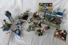 Classic Space - 13 sets including 6930 + 6882 + 897 - Space Supply Station + Walking Astro Grappler + Mobile Rocket Launcher