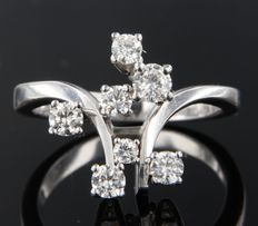 18 kt white gold ring set with brilliant cut diamonds of approx. 0.80 ct in total***NO RESERVE PRICE****
