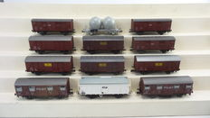 Roco H0 - 4325/4310/4315/46041 - 12 pice package of goods wagons with closed goods wagons and a silo wagon of the NS