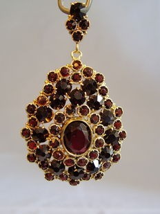 Large, Victorian, garnet pendant made in Bohemia around 1850/60