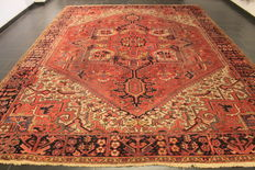 Wonderful Persian Palace carpet around 1920 old handwoven Persian carpet Heris Heriz natural colours 300 x 397cm, made in Iran