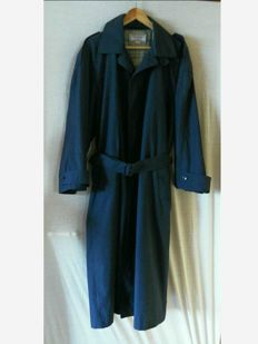 Yves Saint Laurent - Long over- and/or raincoat.