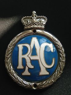 1953 'Elizabethan' enamel RAC Badge in very good condition!