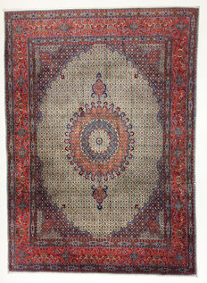 Persian rug fine moud with silk, 333 x 248 cm