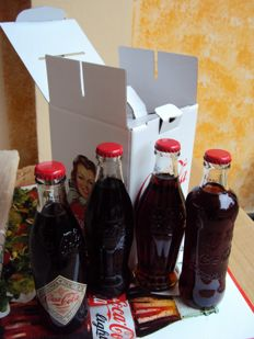 125 anniversary limited edition box set Coca-Cola with the four historic bottles.