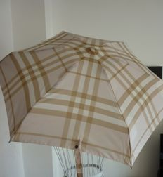 Burberry umbrella Excellent