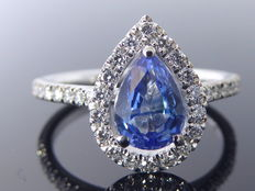 Diamond ring with sapphire of 1.10 ct &  34 diamonds of 0.30 ct in total
