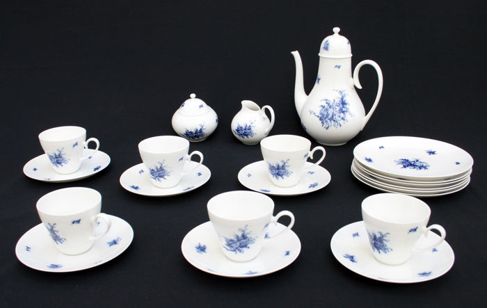Rosenthal; Coffee set for 6 people, model Romanze in Blau, design Bjørn Wiinblad