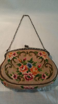 Silver buckle bag with petit point, Dutch marks, year letter K = 1920