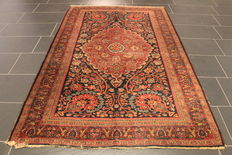 Old Persian Bidjar carpet, natural colours, 135 x 207cm, made in Iran around the 1930s