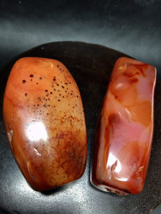 2 Beautiful old Natural Agate Beads from Tibet