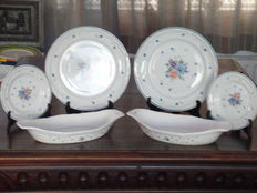 Provincial Boucquet - lot of 4 plates and 2 bowls.