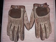 Vintage driving gloves from '50s period