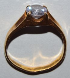 Vintage 21 K Yellow Gold Ring with Natural Zircon Gemstone