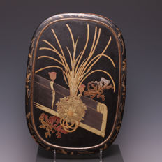 Beautiful black and gold varnished box with lid – Japan – circa 1900 (Meiji period)