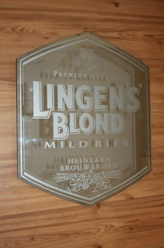Hospitality industry mirror of Lingen's blonde.