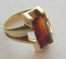 Original ring in 14 kt (585) gold, with a big Madeira citrine - ring size approx. 55 (17.5 mm)