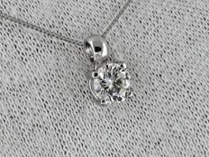 Diamond pendant with necklace – 0.70 ct
