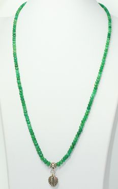 Emerald necklace, 19.50 grams, 54 cm