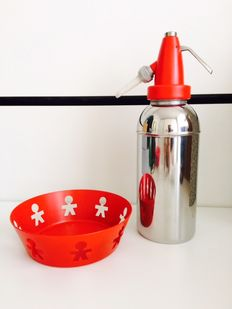 Alessi Girotondo Limited edition for Lindt chocolate centerpiece bowl + Ital siphon Monza vintage design in red