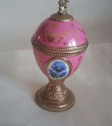 House of Faberge musical box