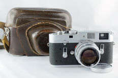 Leica M4 Silver Serial N. 1192367 with Summicron DR 5cm 1:2 Dual Range Lens Serial N. 1447107