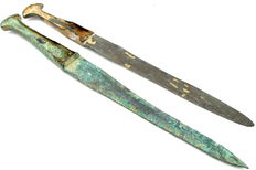 Selection of 2 Bronze Age Swords / Daggers with handle (2)