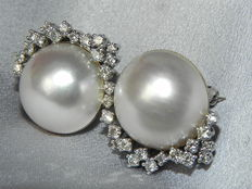 18 kt brooch, Mabe pearl and brilliants