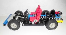 Technic - 8860 - Car Chassis
