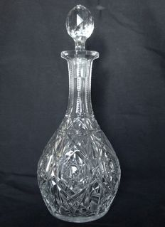 Baccarat crystal wine decanter, Lagny model - signed, France, after 1936.