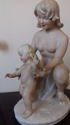 Wallendorf - mother with child figurine, signed
