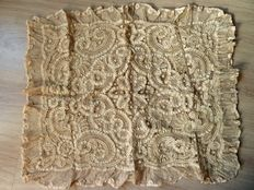 Exceptional pillowcase in lace of Brussels from a private collection, Belgium, 1900 period or before