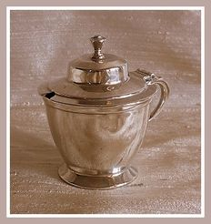 Sterling silver mustard pot w/ blue glass liner, Roberts & Belk, Sheffield, 1939
