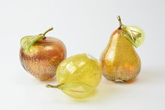 Lorenzo Ferro (Ferro glassworks) - Set of three gold leaf fruits