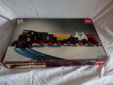 Trains 12V - 725 - 12V Freight Train and Track