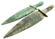 Selection of 2 Bronze Age Ritual Knifes / Daggers with decorated handles (2)