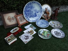 Large lot with div decorative hunting items
