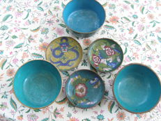 Lot of 3 cloisonné bowls and 3 saucers, dragon and flower decoration - China - early/mid 20th century