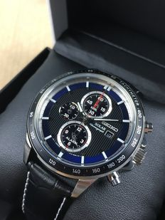 Seiko Solar Chronograph reference: SSC437P1 – men's watch