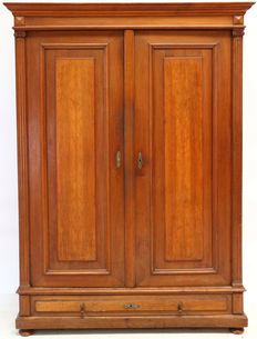Walnut two-door cabinet with columns - Germany - ca. 1880