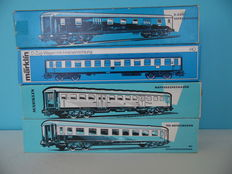 Märklin H0 – Four tin carriages of the DB