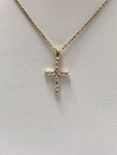 Chain of 18 kt yellow gold with a cross pendant. ***no reserve price***