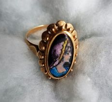 Gold ring with enamel.