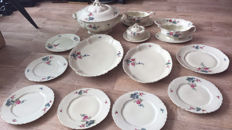 Gchönwald porcelain tableware, 14 pieces