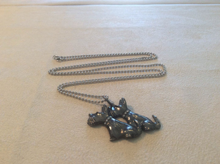 Puppies necklace – sterling silver and 0.08 ct of diamonds – length 88 cm