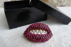 "After Salvador Dali: Sculpture/ Brooch - ""Ruby Lips"" by the Margot Townsend society - Atlanta, USA"